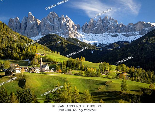 Autumn afternoon over Val di Funes, Santa Maddelena and the Geisler-Spitzen, Dolomites, Trentino-Alto-Adige, Italy