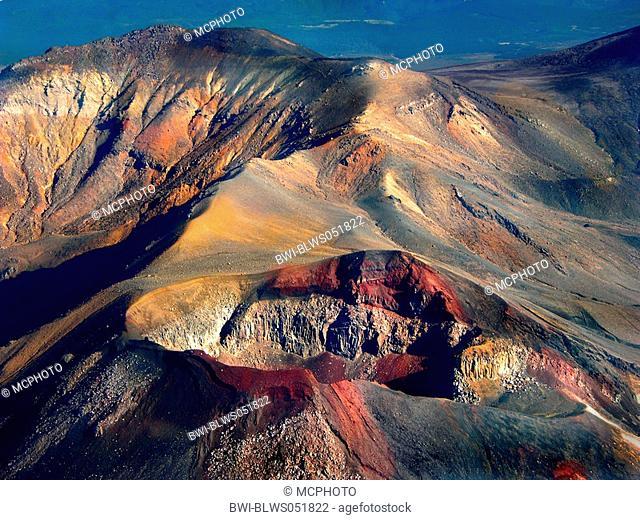 crater scenery of Tongariro, New Zealand, Tongariro National Park