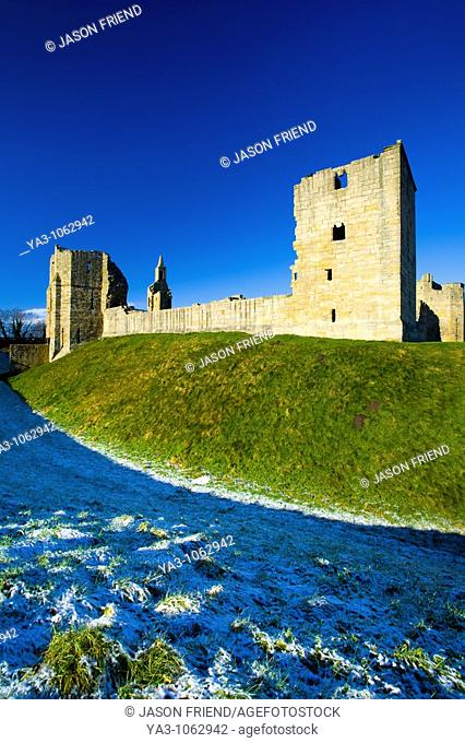 England, Northumberland, Warkworth Castle  Warkworth Castle English Heritage, a magnificent 12th century stone motte and bailey fortress