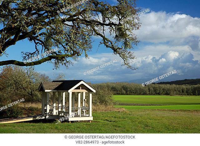 Viewpoint shelter, William Finley National Wildlife Refuge, Oregon