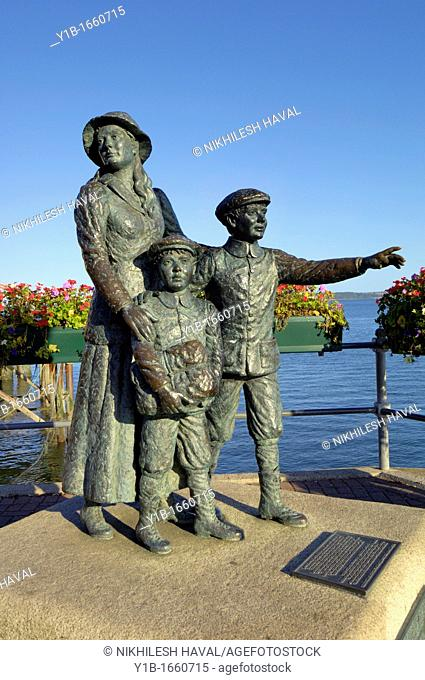 Annie Moore brothers first Irish American immigrants Cobh