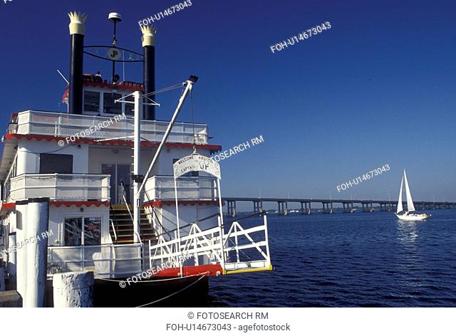 Fort Myers, FL, Gulf of Mexico, Florida, Captain J.P. Sightseeing Cruise Boat docked at City Yacht Basin in Fort Myers