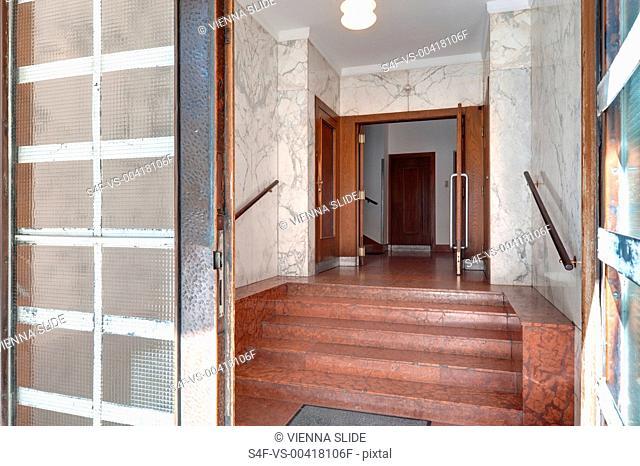 Treppe in einem Mehrfamilienhaus