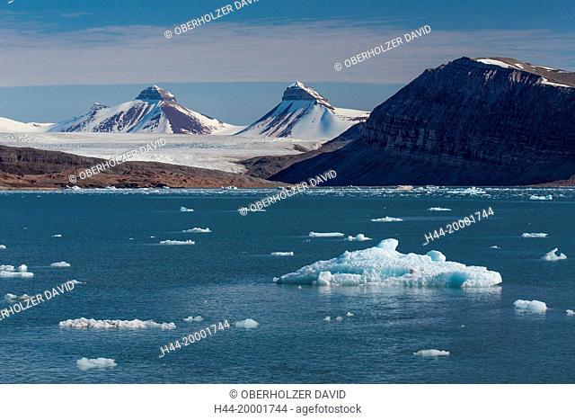 Spitsbergen, Svalbard, Kongsfjord, pack ice, water