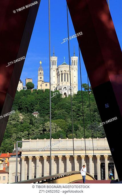 France, Rhône-Alpes, Lyon, Notre-Dame de Fourvière, Palais de Justice, passarelle