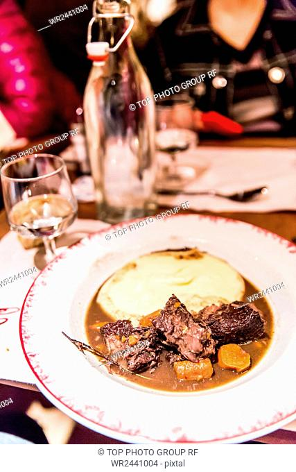 France;dining;Paris;French meal