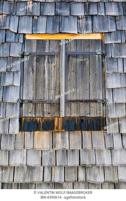 Window in log cabin, wooden shingles, Rohrmoos-Untertal, Schladming, Styria, Austria