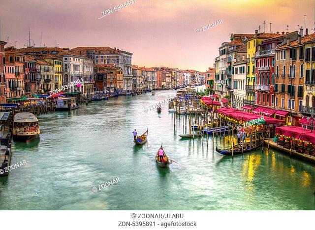 Canal Grande in den Abendstunden, Venedig, Italien