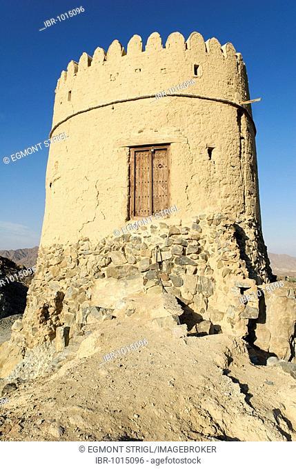 Historic watchtower in the Hatta oasis, Emirate of Dubai, United Arab Emirates, Arabia, Near East