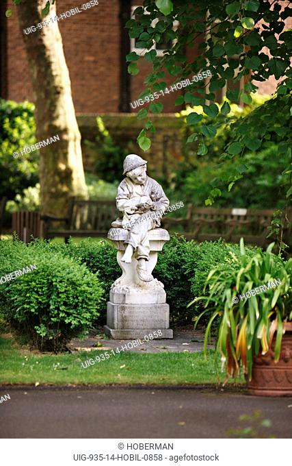 Street Orderly Boy Statue, Paddington, London