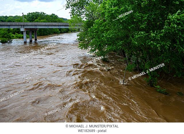Shoal Creek flooding in Joplin, Missouri on May 23, 2019 from Redings Mill Bridge