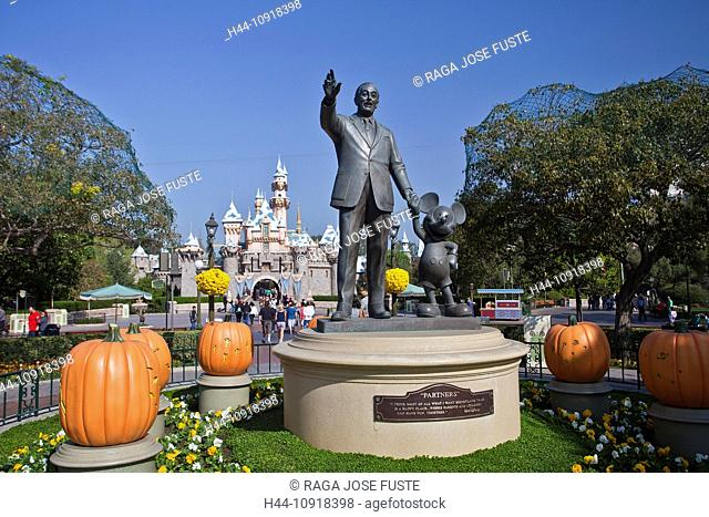 USA, United States, America, California, Los Angeles, City, Walt Disney, Park, Mickey Mouse, statues, dream, Disney, Halloween, monument, playground, theme park
