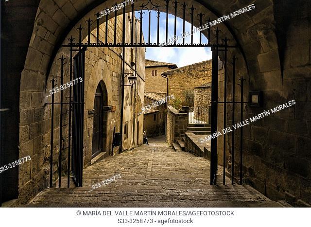 Medieval passage at St. Esteban church in Sos del Rey Catolico. Zaragoza. Aragon. Spain. Europe