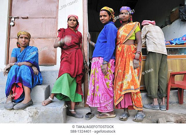 Road work women having rest