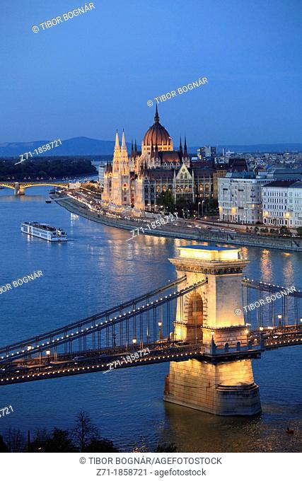Hungary, Budapest, Chain Bridge, Parliament, Danube River