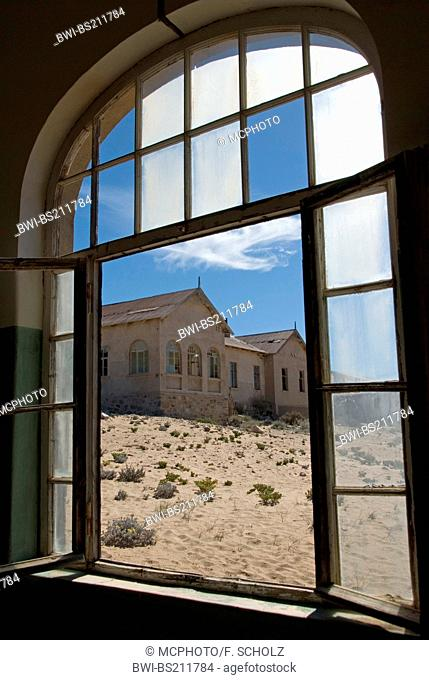 Kolmanskop, abandoned diamond town, view from the hospital to the doctor's house, Namibia, Luederitz