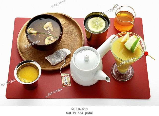 Liquid meal on a tray
