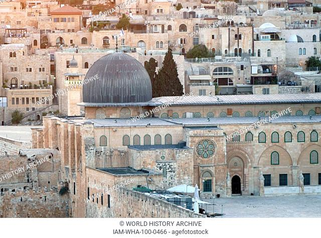 view of the Temple Mount and Mosque of El Aqsa, Jerusalem, Israel