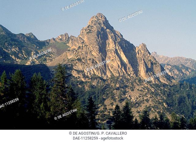 Pizzo del Diavolo di Tenda (2,914 metres), Bergamo Alps, Lombardy, Italy