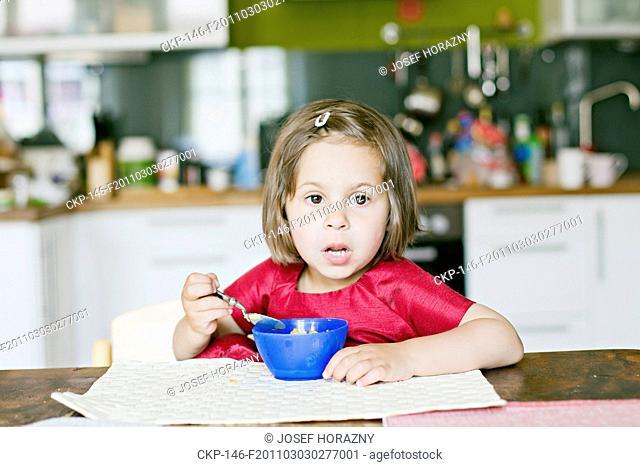 child, baby, girl, childhood, food, feed, snack