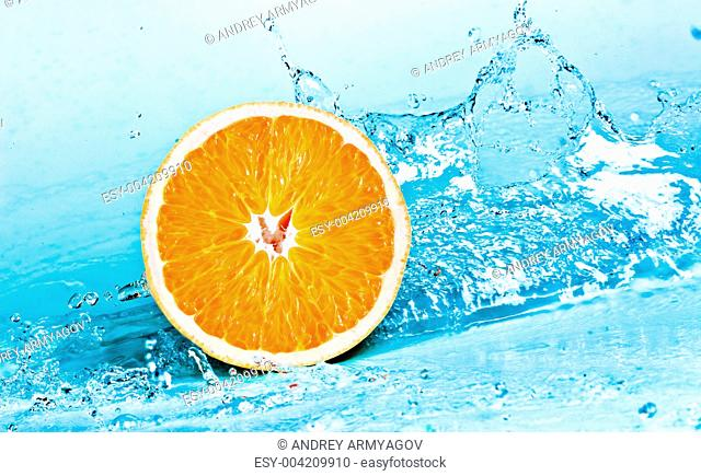 orange and water