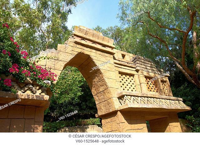 -Replic of Ancient Mayas Constructions- Tematic PortAventura's Park (Spain)