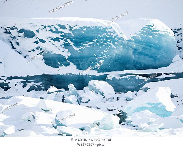 Glacier Svinafellsjoekull in Vatnajoekull NP in winter in Iceland. Europe, Northern Europe, Scandinavia, Iceland, February
