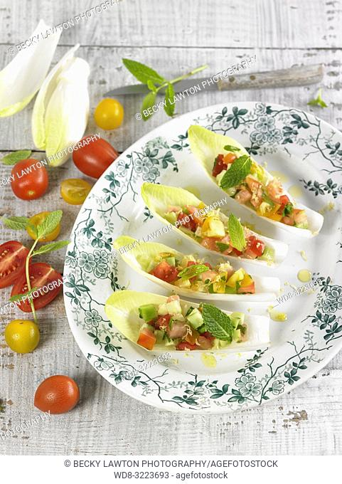 endivias rellenas de verduras / Endives stuffed with vegetables