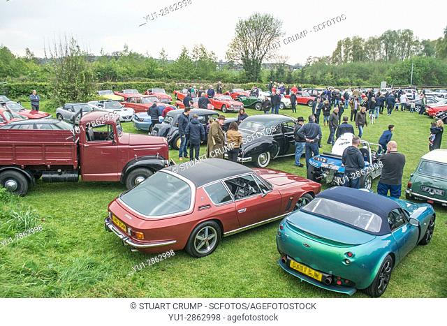 Overview of the classic cars at the Manor Classic Car Show at the Manor House Pub in Quorn
