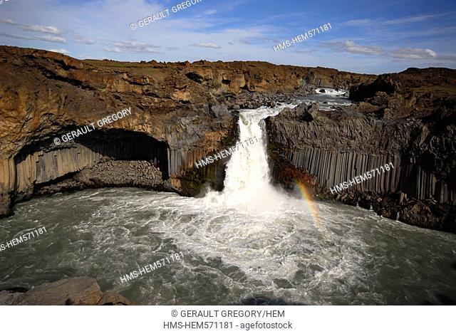 Iceland, Nordurland Eystra Region, waterfall of Aldeyjarfoss and its basalt columns