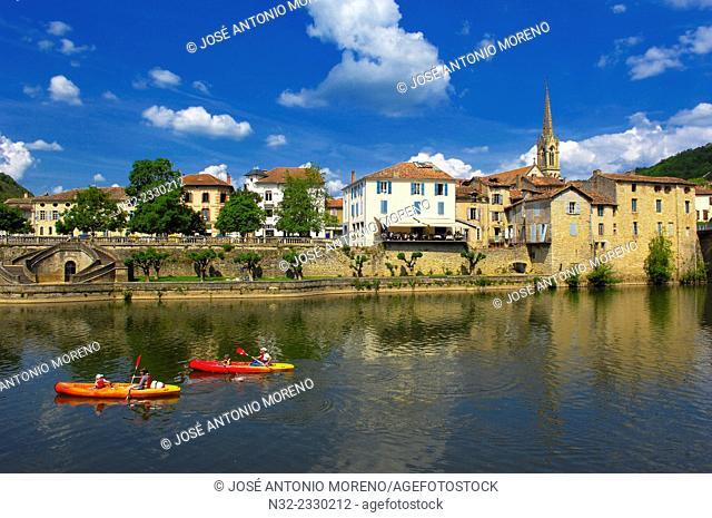 Saint Antonin Noble Val, Aveyron River, Tarn et Garonne department, Midi-Pyrenees Region, France, Europe