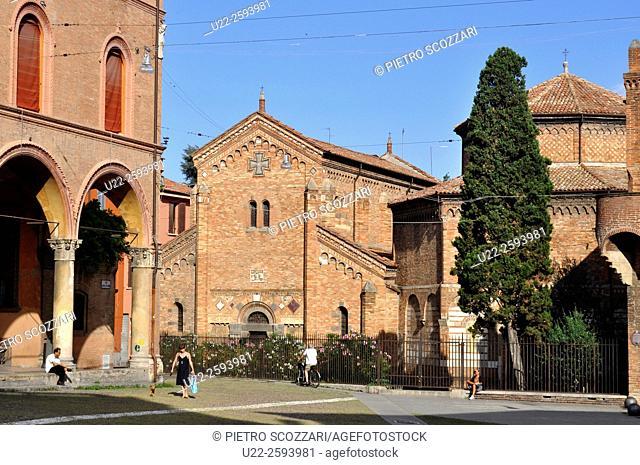 Italy, Emilia Romagna, Bologna, Piazza Santo Stefano...