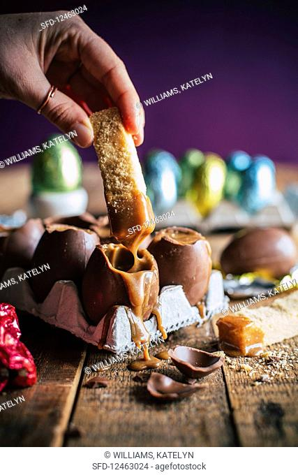 Easter eggs with salted caramel and shortbread