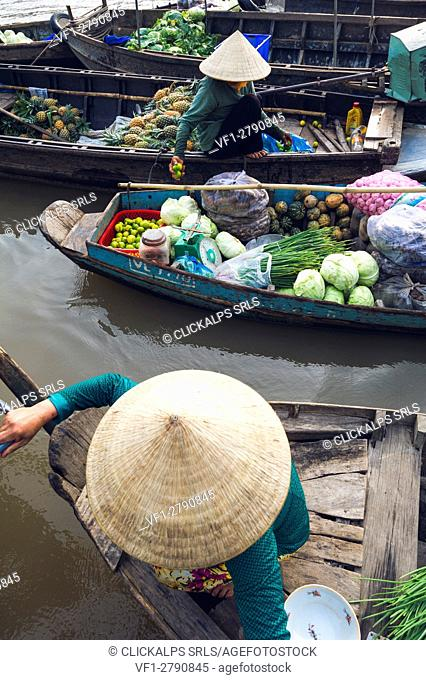 Can Tho, Mekong Delta, Southern Vietnam. Phong Dien floating market