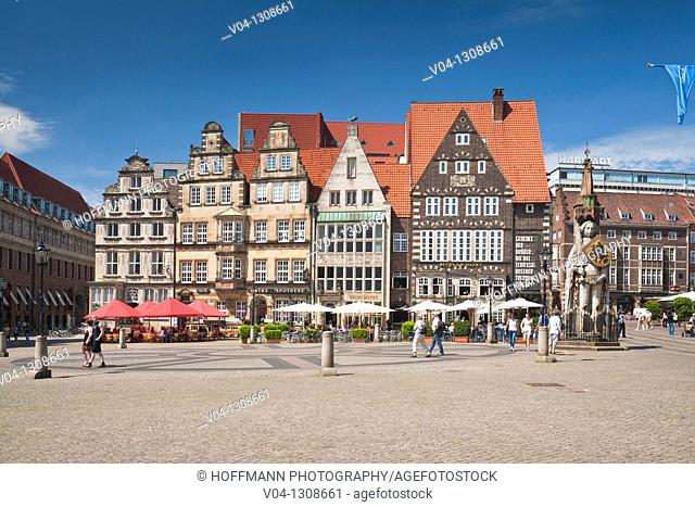 Historic market square and Roland statue in Bremen, Germany, Europe