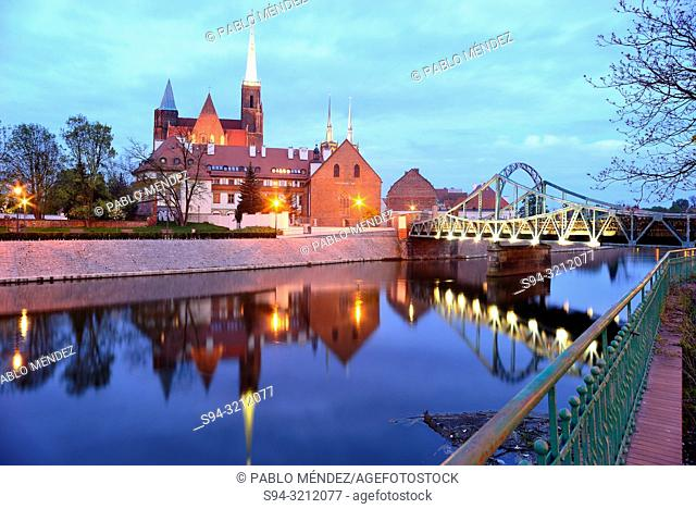 Church of Sainte Cross, Saint John Baptist and Oder river in Wroclaw, Silesia, Poland