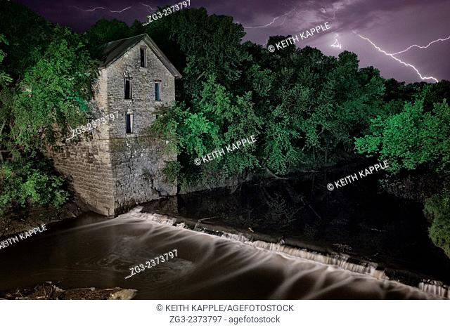 Light Painting and Night photography of Cedar Point Mill ruins in Kansas