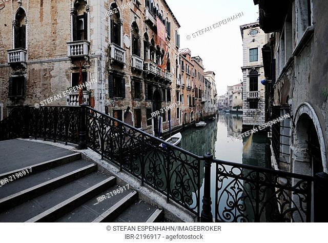 Bridge over a canal, palazzo, Venice, Venezia, Veneto, Italy, Europe