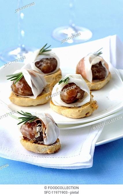 Marroni al lardo e rosmarino (glacé chestnuts with lardo, Italy)