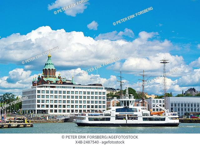 Ferry from Suomenlinna island, arriving at Kauppatori, market square, Helsinki, Finland, Europe