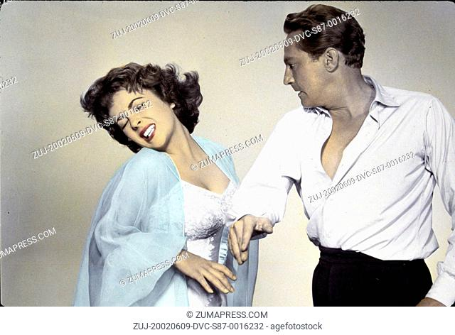 1954, Film Title: ELEPHANT WALK, Director: WILLIAM DIETERLE, Studio: MGM, Pictured: DOMESTIC VIOLENCE, PETER FINCH, ELIZABETH TAYLOR, VIOLENCE TOWARDS WOMEN