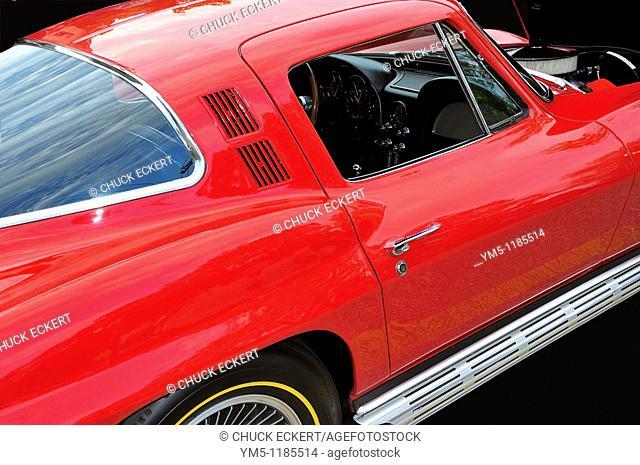 Cruise Nights, Barrington, Illinois, USA  1965 Chevy Corvette Sting Ray
