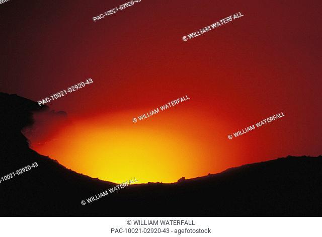 Hawaii, Big Island, Hawaii Volcanoes National Park, Kilauea Volcano lava flows into ocean, at night