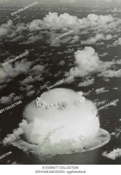The BAKER test of Operation Crossroads, July 25, 1946. Photo shows the dome shaped condensation cloud around the gas bubble of the fireball