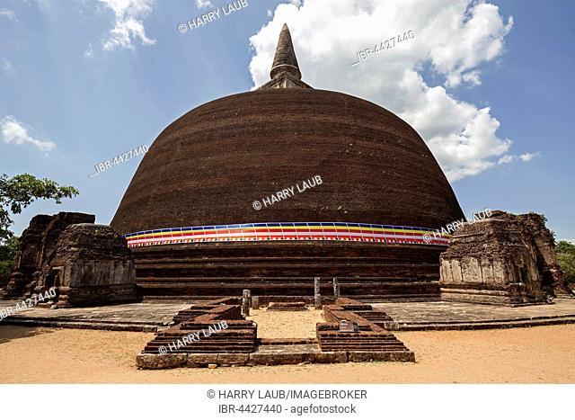 Stupa, dagoba, Rankot Vihara, Sacred City, Polonnaruwa, North Central Province, Sri Lanka