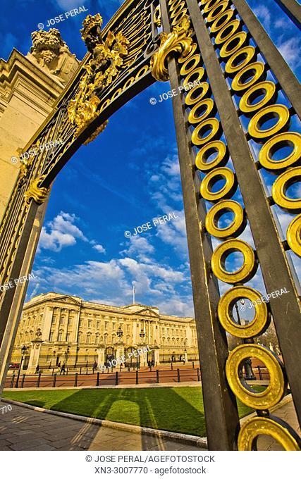 Buckingham Palace, City of Westminster, London, England, UK