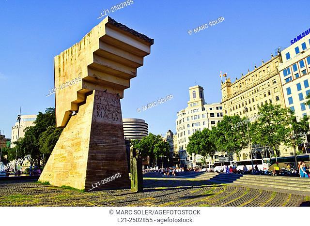 Monument to Catalan political leader Francesc Macià. Designed by sculptor Josep Maria Subirachs. Plaça de Catalunya, Barcelona, Catalonia, Spain