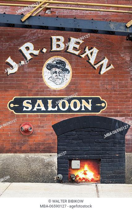 USA, Rhode Island, Bristol, Judge Roy Bean Saloon, exterior