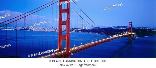Golden Gate Bridge, San Francisco Bay. California, USA