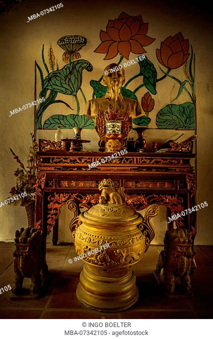 Asia, Vietnam, Ninh Binh province, Halong Bay, dry, dry Halong Bay, temple, shrine
